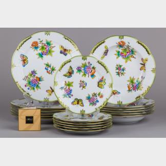 Brand New Herend Queen Victoria Plate Set for Six People, 18 Pieces