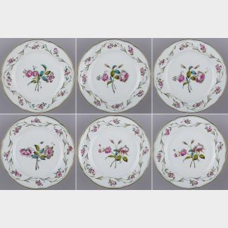 Set of Six Herend Antique Floral Pattern Dinner Plates from 1910 I.