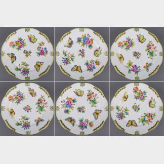 NEW Set of Six Herend Queen Victoria Dessert Plates, 6 Pieces, #517/VBO