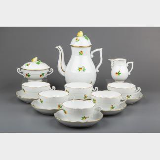 Herend Strawberry Pattern Tea Set for Six People, 15 Pieces
